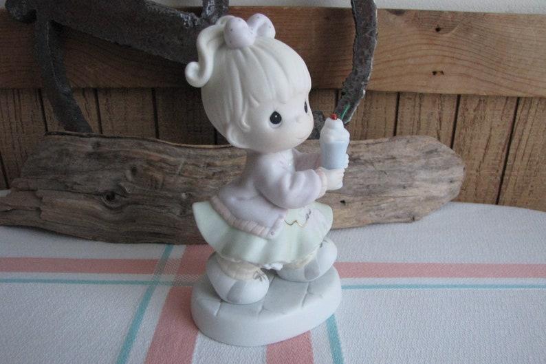 Precious Moments Soda-Licious Figurine 1996 Membership Figurines
