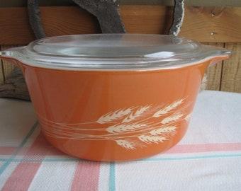 Pyrex Autumn Harvest 1.5-quart Casserole 1970s Vintage Ovenware