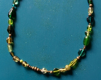 Green and bronze adjustable necklace glass beads