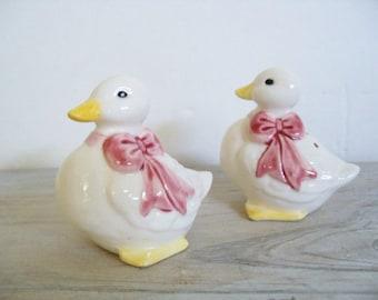 Salt Pepper Shakers Duck Porcelain Vintage Kitchen