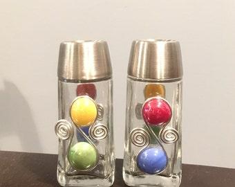 Salt & Pepper Shakers #2-Beaded, Shaker Set, Beaded Salt Shaker, Kitchen Gadget, Table Decor, Housewarming Gift, Hostess Gift, Wedding Gift