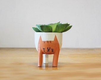 Ready to ship! Small Three-legged Cat Planter in Orange Tabby (free shipping)