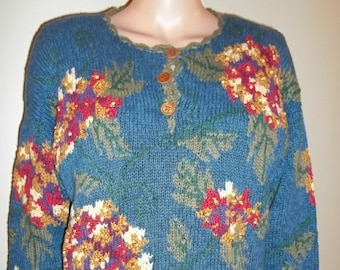 Tunic sweater, handknit with wooden buttons and beaded flowers by IVY!