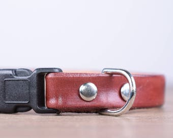 Adjustable Burgundy Leather Cat Collar - Safety Breakaway Leather Cat Collar