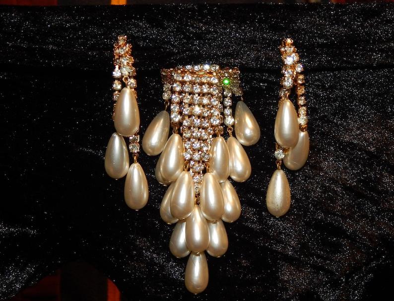 Gold Clear Rhinestone Set Gold Tone Dangle Rhinestone Faux White Pearl Brooch and Earrings Set