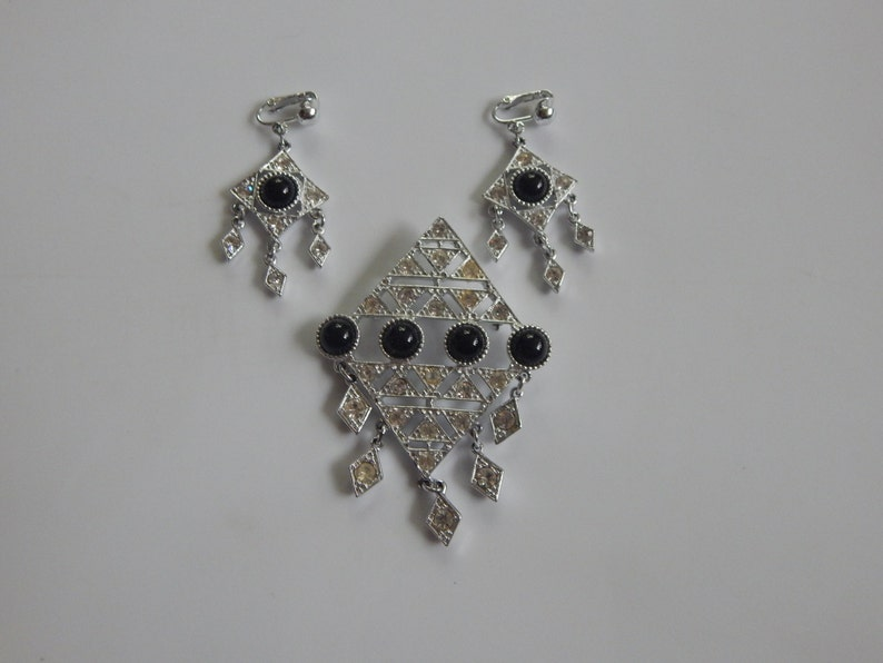 Vintage Sarah Covetry Set Vintage Silver Tone Black and Clear Rhinestone Brooch And Earring Set Signed