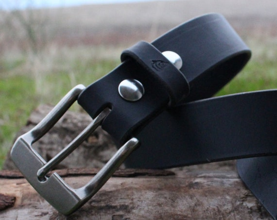 Ladies Leather Belt For Rugged Lifetime Use.