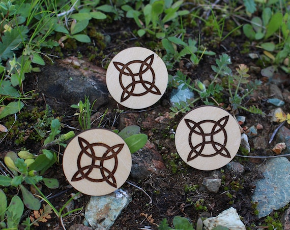 Witches Knot Witchy Wood Pin