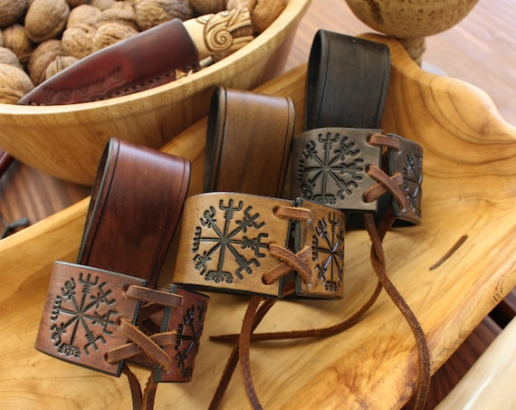 Vegvisir Horn Holder