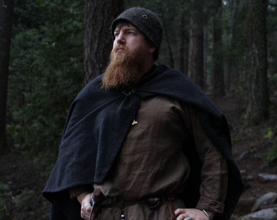 Viking Wool Rectangle Cloak in a range of solid colored wool historical reenactment - Cloaks - Viking age - Handmade