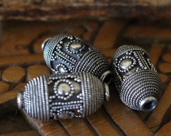 Replica Viking Age Kremlin Bead.
