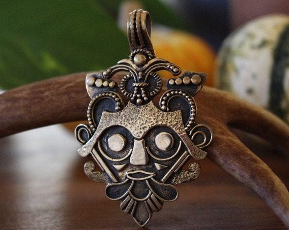 Gnezdovo Viking Mask Pendant