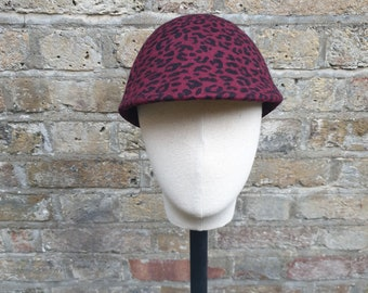 Red leopard markle cap everyday wear winter hat with pin trim/ decoration