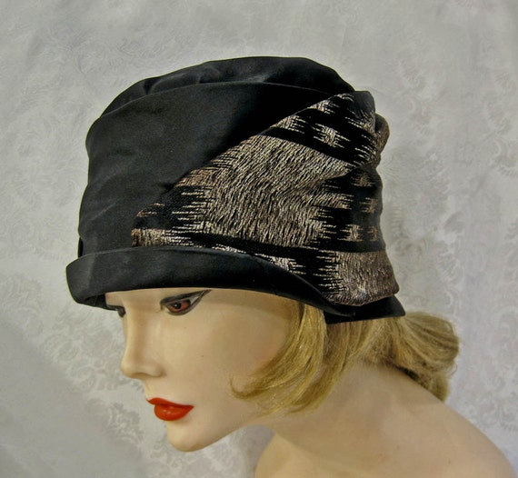 Vintage 20s Cloche Hat / 20s Cloche Hat / Black Si