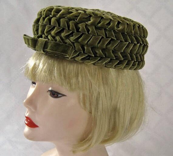 1950s Hat / 50s Betmar Pillbox Hat / Olive Green V