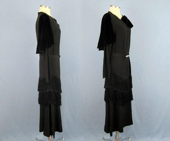 Incredible 1920s Dress / 20s Silk Dress / Silk Fr… - image 2