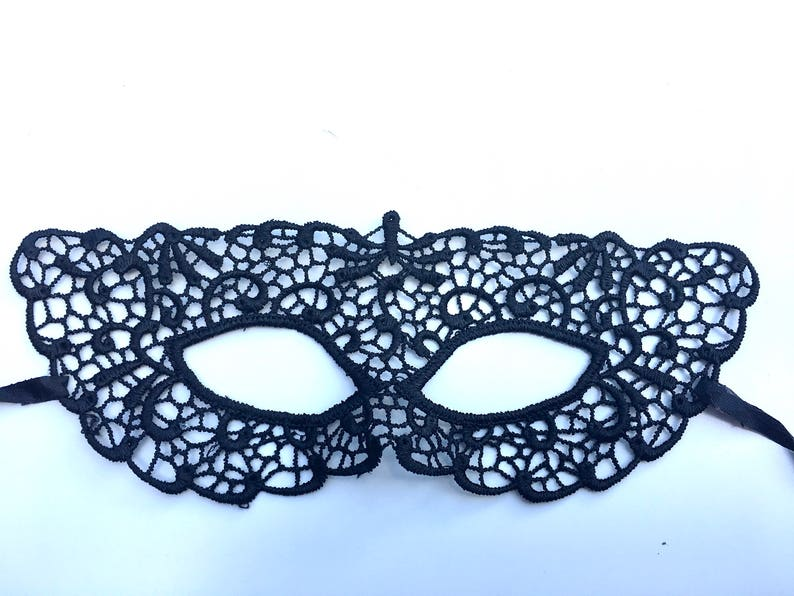 Venetian Mardi Gras Masquerade Eye Half Red with Flower Mask Costume Accessory