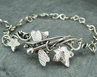 Dragonfly bracelet ~ Leaf bracelet ~ Dragonfly jewelry ~ Silver dragonfly ~ Dragonfly ~ Sterling silver ~ Leaf jewelry bracelet ~ Ivy leaf