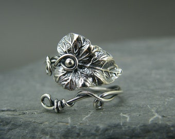 Silver leaf ring ~ Adjustable silver ring ~ Leaf ring ~ Leaves ~ Leaf jewelry ~ Wire wrapped ring ~ Sterling silver ring ~ Thumb ring ~ Leaf