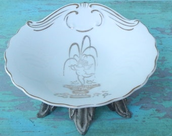 Vintage French Country Footed Dish!
