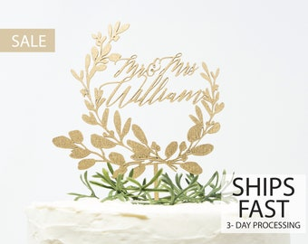 Custom  Wreath Wedding Cake Topper, Custom Calligraphy Mr and Mrs Wedding Cake Topper Gold Personalized Cake Topper