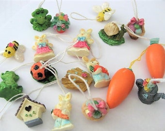 Vintage Collectibles ~  Easter Decoration  Hanging Tree Ornaments  Easter Tree   18 pc lot   (Grp K)