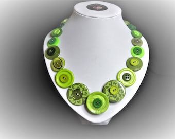 Button necklace Green swirl.  Gift for her, boho necklace, statement necklace, unique gift, buttons, handmade jewelry, Mothers Day, OOAK