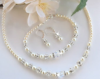 Swarovski Crystals and Pearl Necklace, Bracelet and Earring Set/Weddings/Bridal