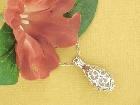 Glass Keepsake Locket beach sand or hair lock Holds cremation ashes Jewelry Gift URN Filigree Teardrop Gold Tone Pendant