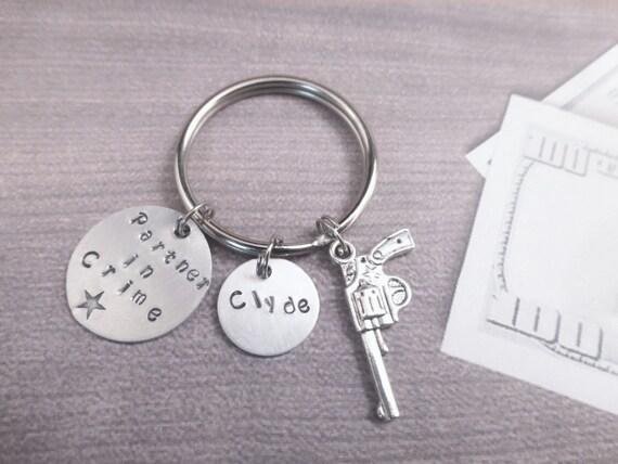 1 Paar Bonnie Clyde Anhänger Halskette Guns Herz Freundschaft Besten Freunde