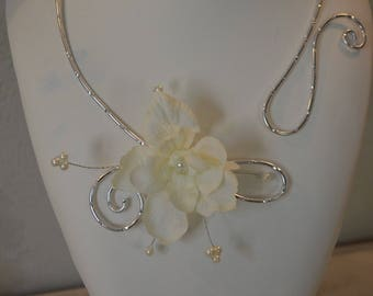 Victoria - necklace silver Ivory Pearl flower - wedding jewelry