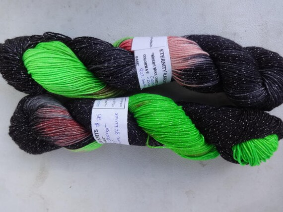 Alien, sparle sock yarn
