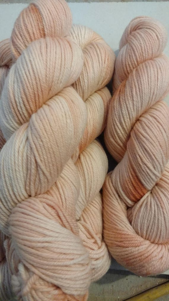 Dreamsicle, worsted weight, 220yds 100%sw Merino wool