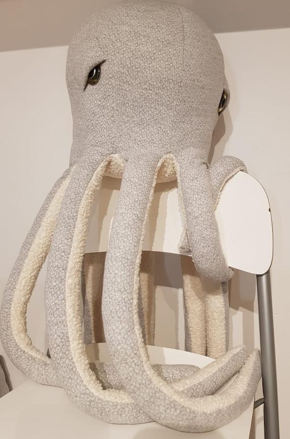SOLDE giant octopus khaki scales soft cushion trophy