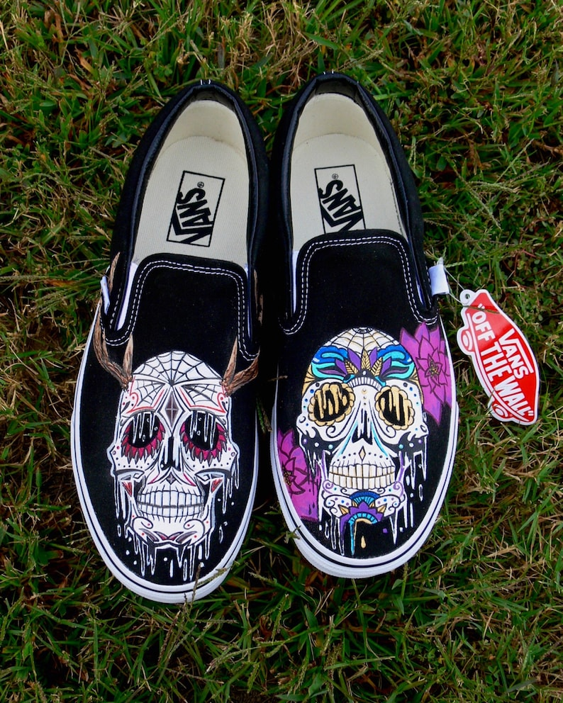 53c08000590902 Custom Sugar Skull Adult Vans