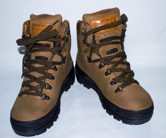 Vintage Timberland World Hiker Super Boot 40 Below Gore Tex®. Made in Italy. Women's US size 8, UK 6, Eur 39.