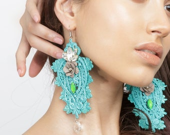 Colorfull earrings with crystals and flower