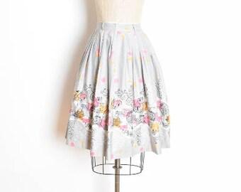 vintage 50s skirt, novelty print skirt, border print skirt, hot air balloon, 80 days travel print 1950s 50s clothing gray skirt cotton skirt