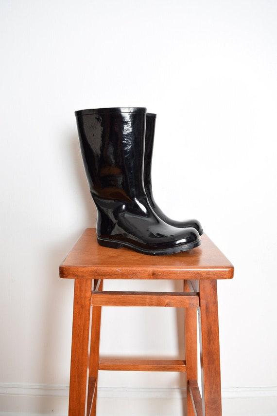 vintage 90s boots black vinyl shiny galoshes rain