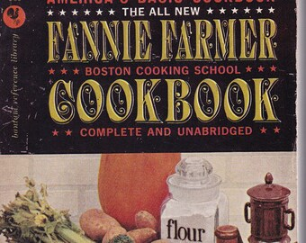 The All New Fannie Farmer Boston Cooking School Cookbook. Bantam NR2 1961 Edition. VeryGood Vintage Condition. VERY RARE Cover, Collectible.