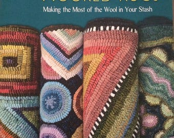 Scrappy Hooked Rugs by Bea Brock - Paperback Book
