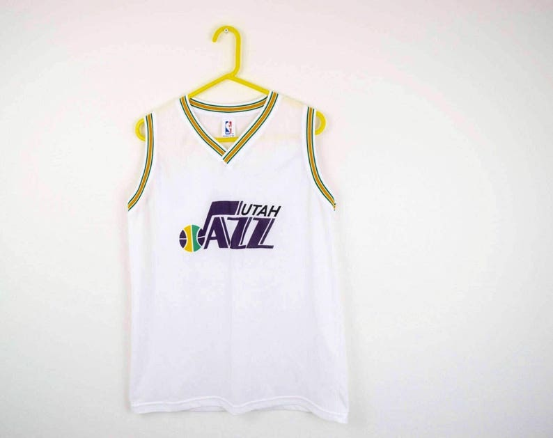 b8b3865a57df3 90s Utah Jazz Throwback NBA Basketbal Jersey   White   Size XL