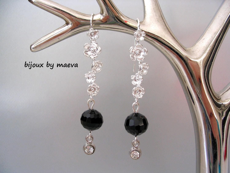 Bisutería Negro aretes colgantes de perlas negras y sostenedor | Etsy