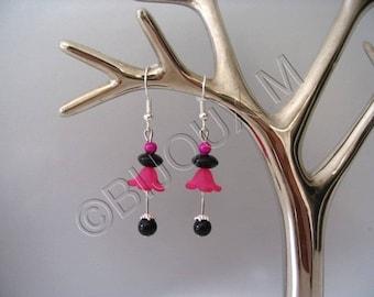 Fuchsia and black Fleur earrings