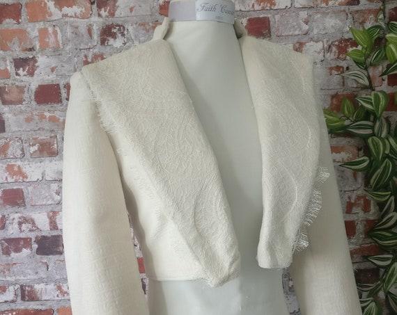 PROMOTION Short velvet and lace wedding jacket size 36.
