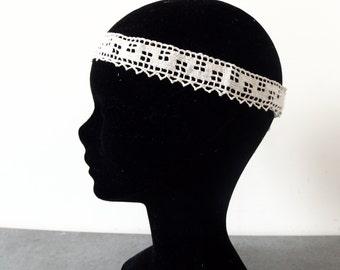 Scalloped retro wedding headband