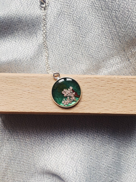 Unique Pendant Fine Art Flower Jewellery Anniversary Birthday Cross Real Flower Necklace Resin Minimalist Gifts Natural Gifts