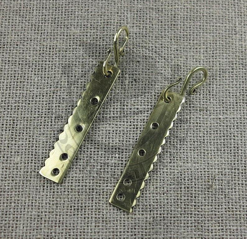 5 holes based on find form Gotland Viking beads divider