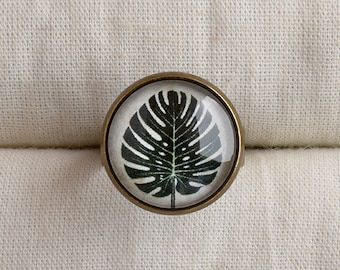 Monstera leaf ring, Tropical leaf jewelry, Dark green leaf adjustable ring, Colonial style ring, Botanical ring, Botanical jewelry TJ 072