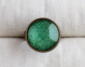 Green ring, Green jewelry, Green sparkly ring, Glass dome ring, Green adjustable ring, Green glitter bronze ring, Glass cabochon ring SJ 067